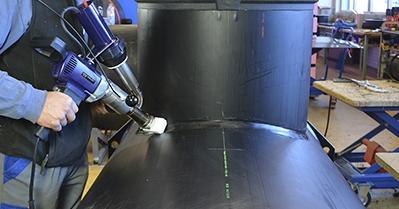 Extrusora de plástico para soldar geomembranas